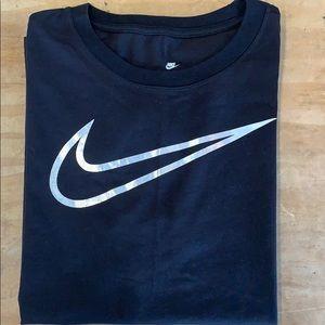 Womens Short Sleeve Nike Shirt